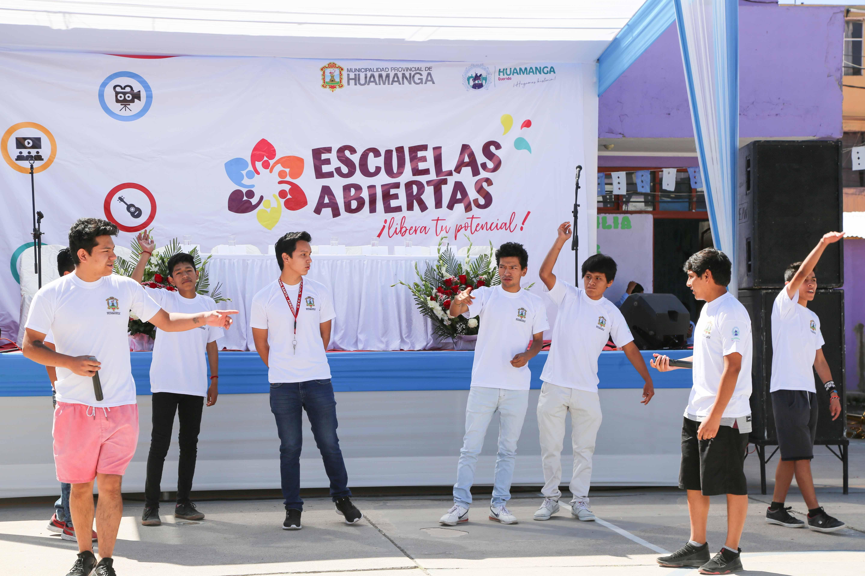 Escuelas Abiertas para Huamanga