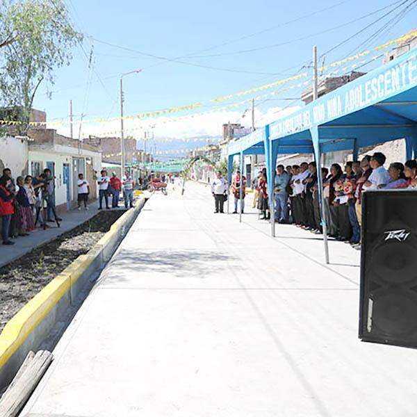 En tiempo récord pistas y veredas en Jr. Jorge Chávez