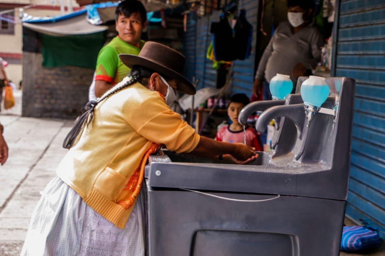 Ciudadanos cuentan con lavaderos portátiles