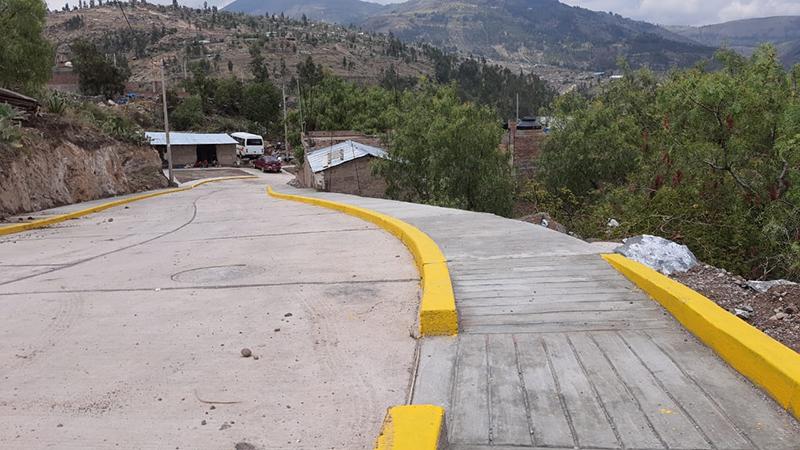 Inauguración de pistas y veredas en Ñahuinpuquio - Warpapicchu