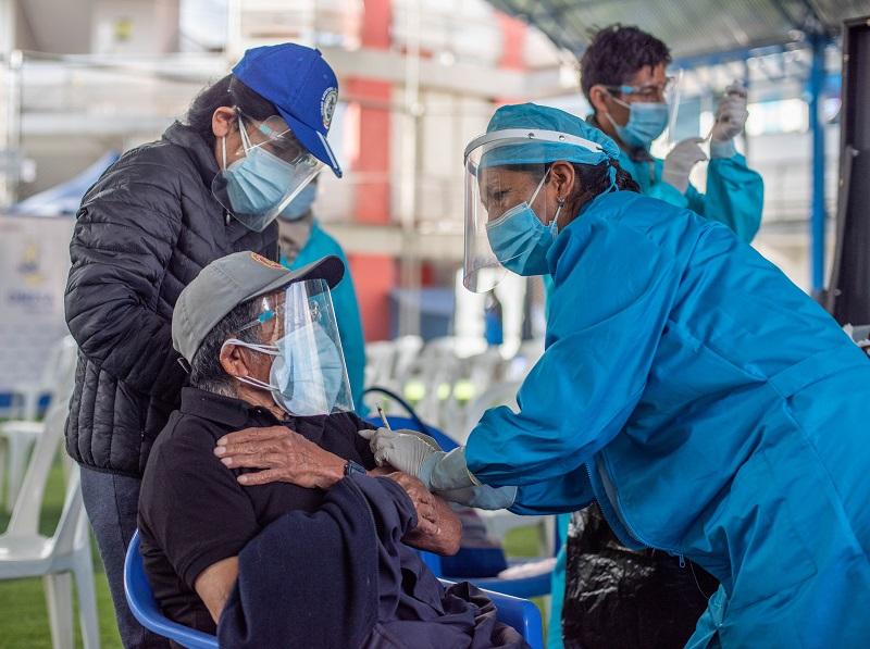Se dio inicio a la jornada de vacunación contra la Covid-19 de adultos mayores