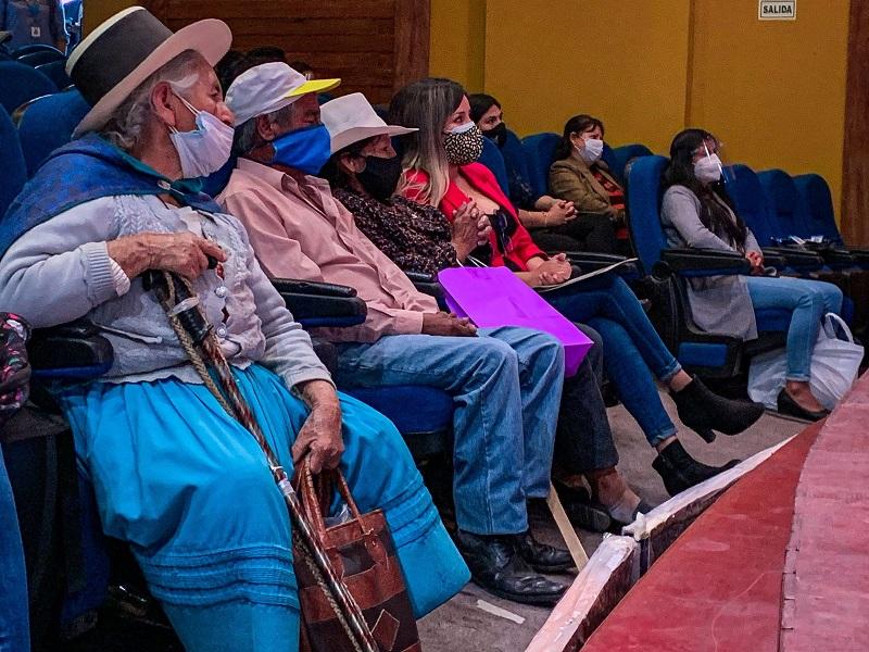 """Municipalidad de Huamanga lanza campaña """"Adopta un abuelito"""""""
