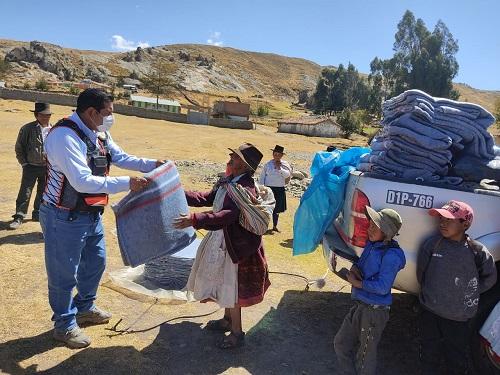 Entregan abrigo para comunidades alto andinas de Vinchos