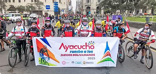 Delegación de ciclistas ayacuchanos arribó a Lima
